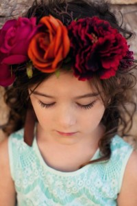 teal-and-red-family-photo-colors-floral-crown